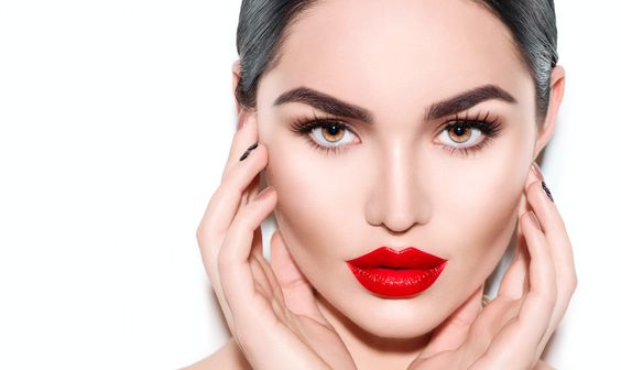 What Are The Pros and Cons of Permanent Makeup?