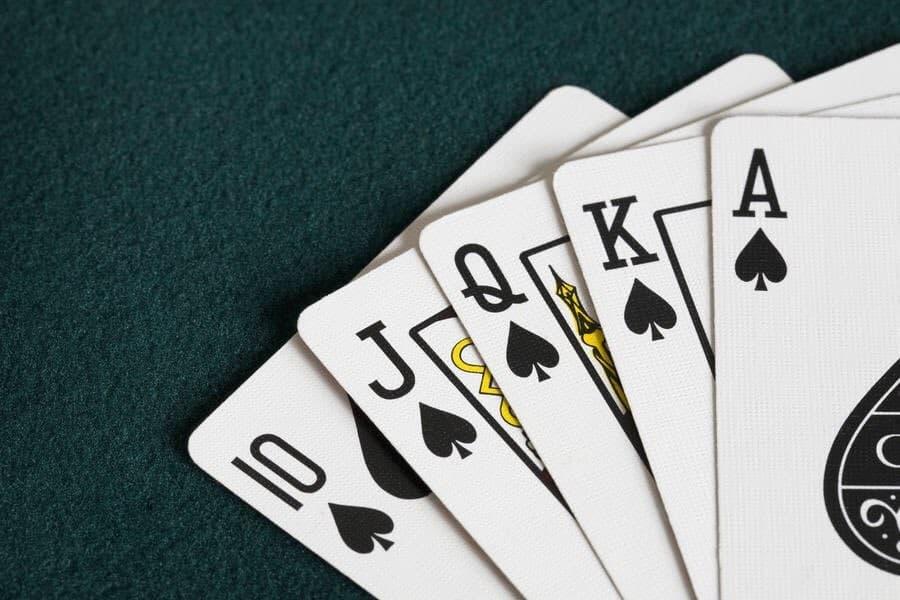 How Do You Play Spades?