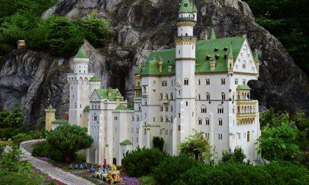 The Coolest LEGO Castle Plans