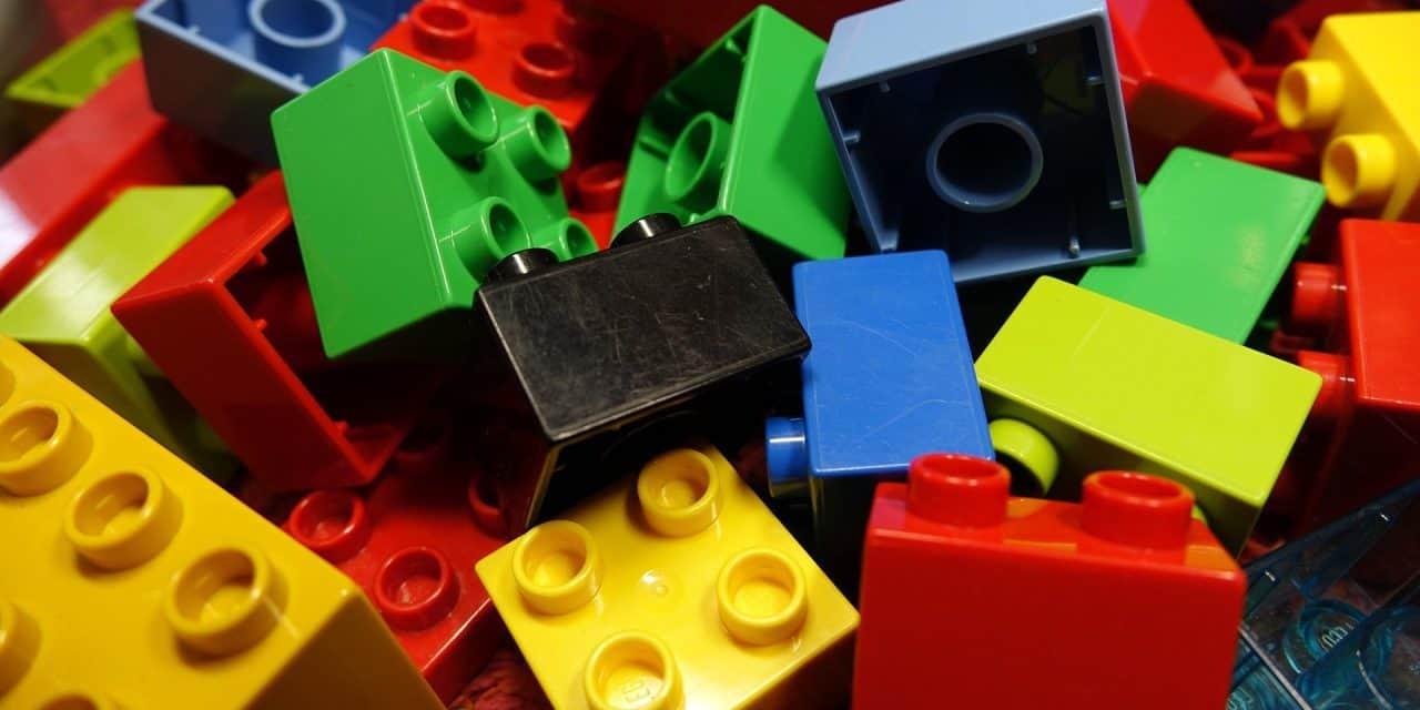 Is LEGO better than Mega Bloks?