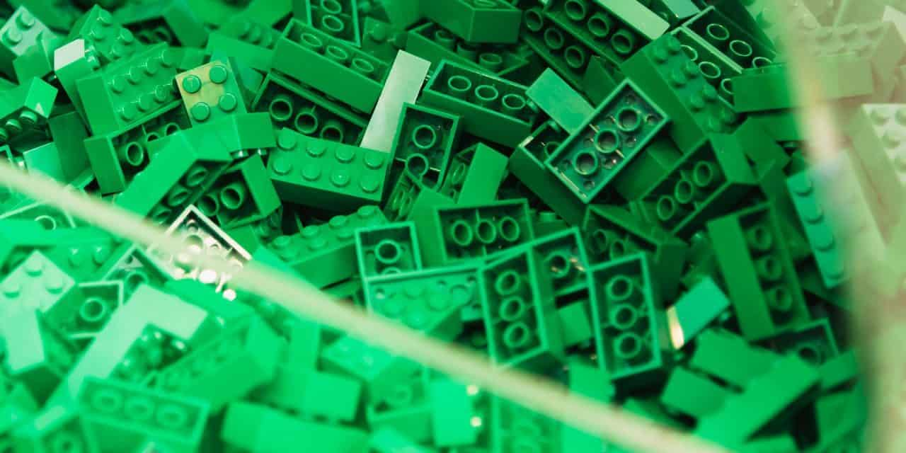 This Is The Best Way To Clean LEGO