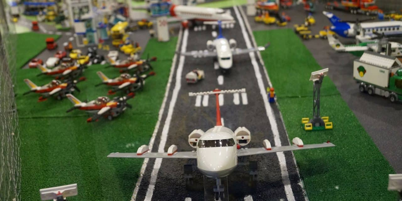 Our Favorite LEGO Plans For Airplanes