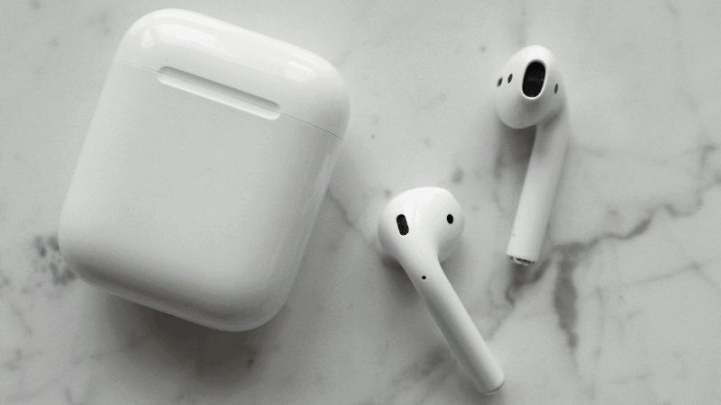 How to Fix an AirPod Case that Won't Close